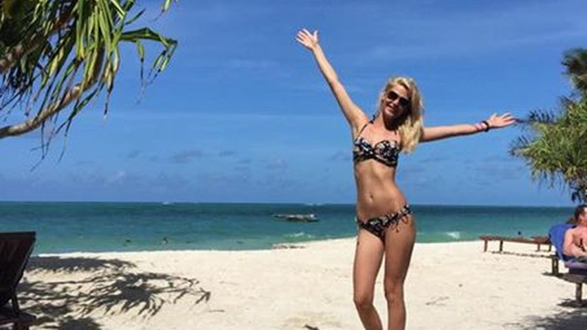 Knackig & braun: Hier zeigt Sara Kulka ihr Sixpack