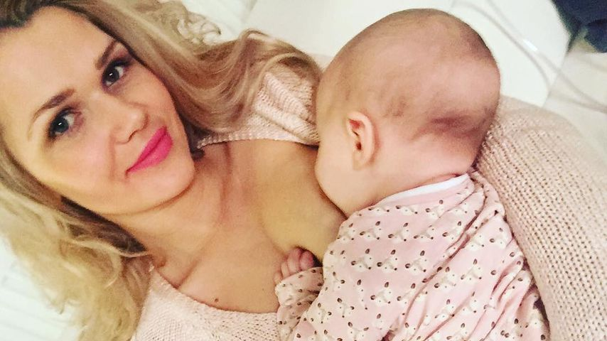 Power-Mama Sara Kulka: Hier stillt sie ihre Tochter Annabell