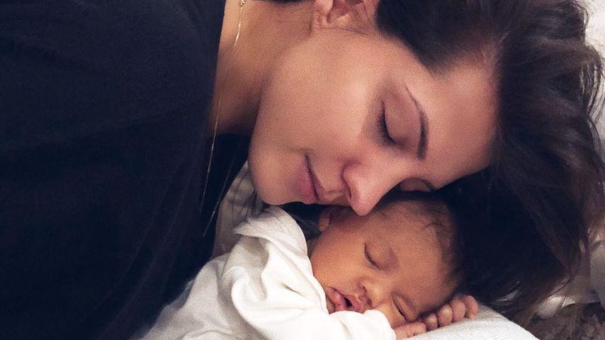 Baby-Workout: Mia Rose macht schon Sport mit Mama Sarah