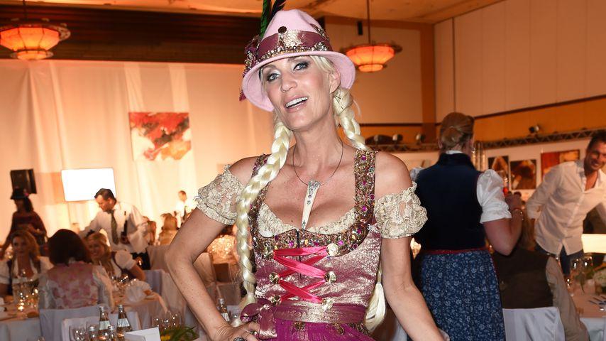 Sarah Kern beim Ladies-Dirndl-Dinner in München im Juli 2014