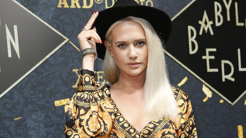"""Sarah Knappik bei der Golden Hours Feier für die Fernsehserie """"Babylon Berlin"""""""