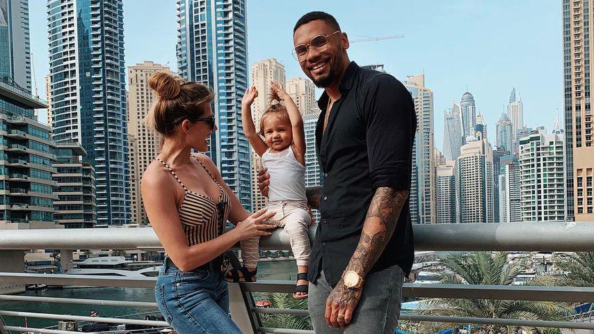 Sarah, Mia Rose und Dominic Harrison in Dubai