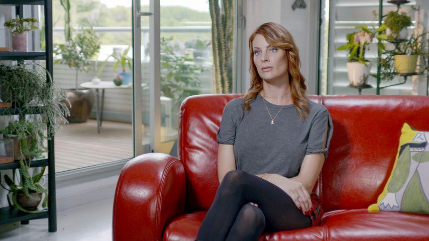 """Sarah Ronsome in """"Jeffrey Epstein: Stinkreich"""""""