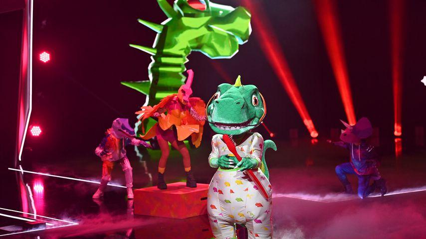 """Sasha als der Dino bei """"The Masked Singer"""""""