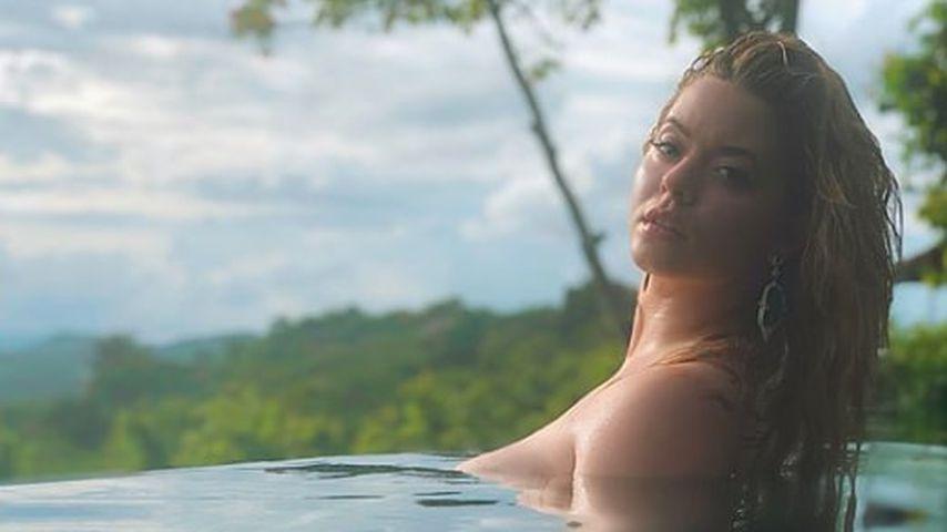 PLL-Star Sasha Pieterse: Halb nackte Honeymoon-Grüße!