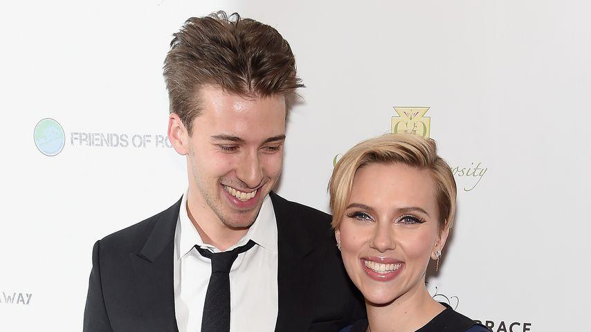 Scarlett und ihr Bruder Hunter Johansson, November 2014