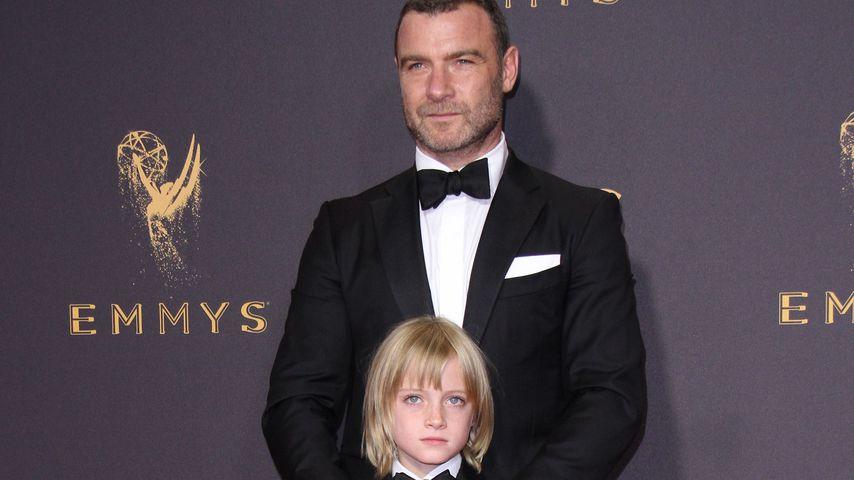 Besonderes Emmy-Date: Liev Schreiber mit Sohn auf Red Carpet