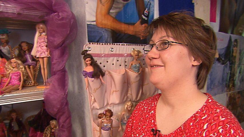 """""""Schwer verliebt""""-Star Sarah mit ihren Puppen"""