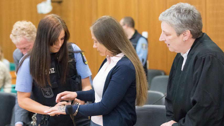 Schwesta Ewa im Frankfurter Landgericht