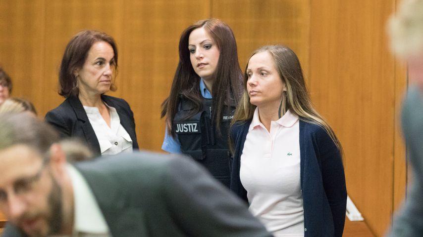 Schwesta Ewa bei ihrem Gerichtsprozess