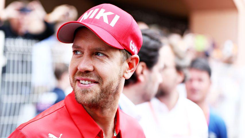 Kappe und Schweigeminute: Formel-1-Stars gedenken Niki Lauda