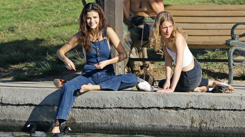 Nach den Therapie-News: Selena Gomez erholt im Park in L.A.!