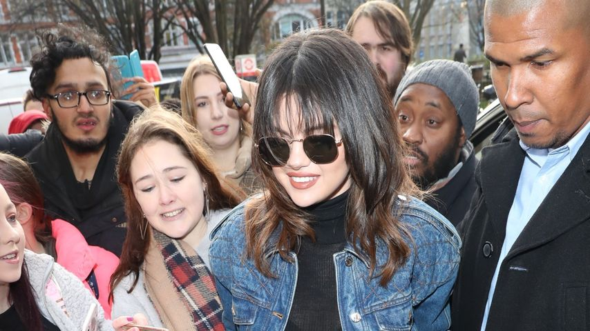 Jeans über Jeans: So stylish rockt Selena Gomez London!