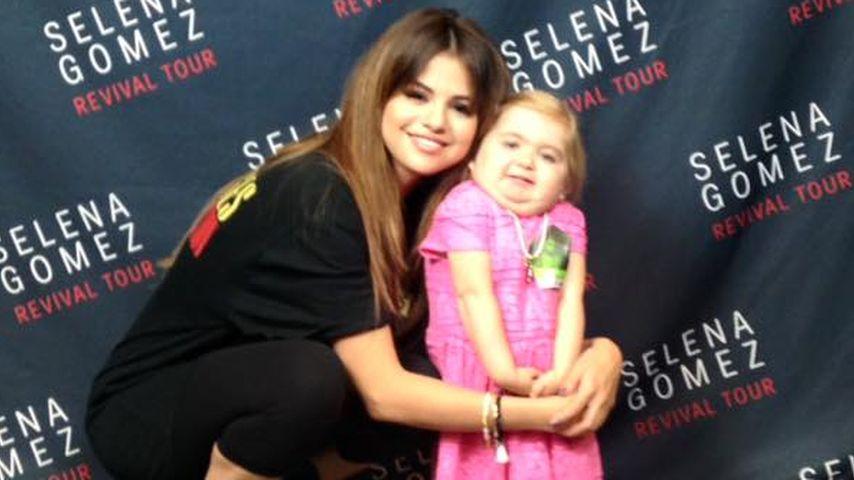 Mini-Internet-Star: Selena Gomez tanzt mit krankem Fan (7)!