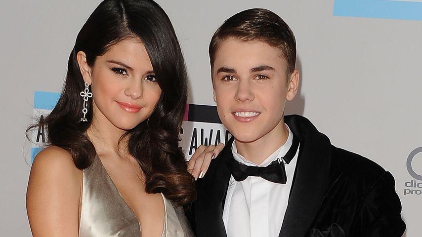 Selena Gomez und Justin Bieber bei den American Music Awards 2011