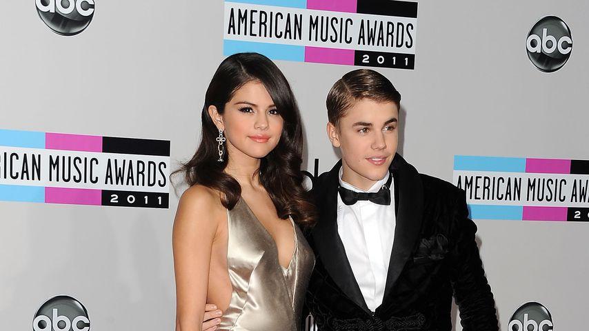 Selena Gomez und Justin Bieber im November 2011