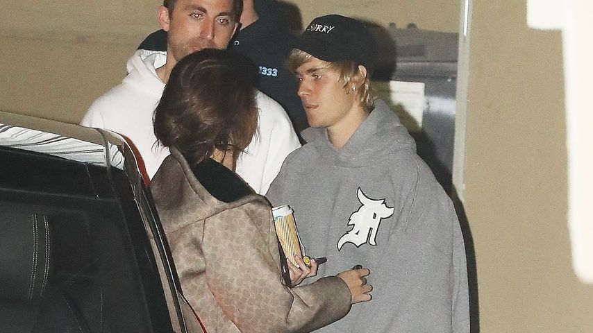 Selena Gomez und Justin Bieber auf dem Weg in die Kirche in Los Angeles