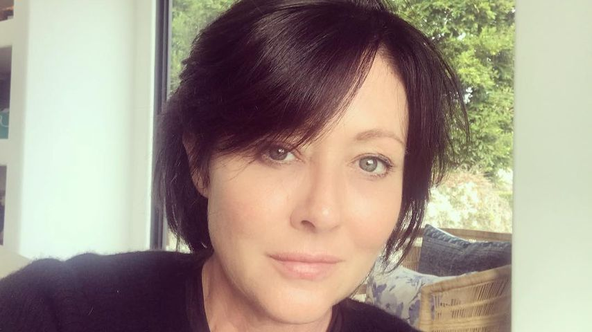 So Chic Fit Shannen Doherty Zeigt Neue Frise Nach Krebs