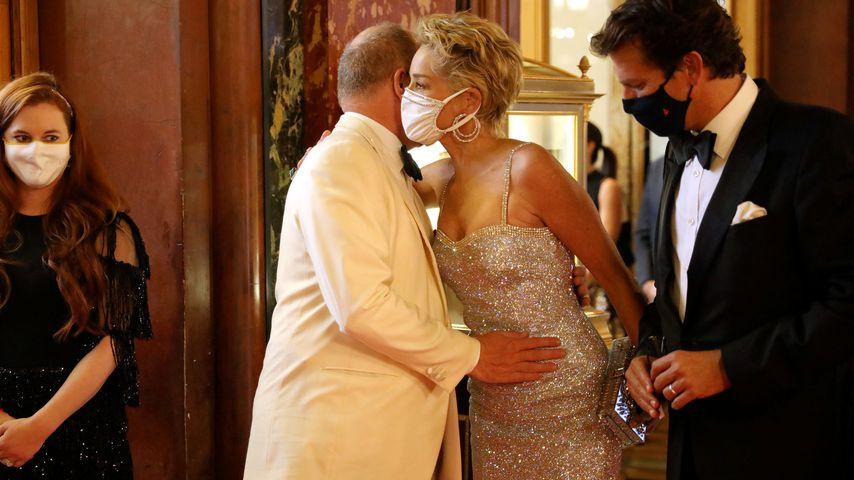 """Sharon Stone und Albert von Monaco bei der Premiere von """"No Time To Die"""" in Monaco im September 2021"""