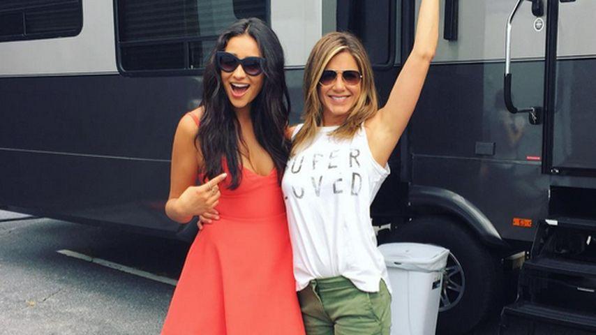 Neue Freundin: Shay Mitchell hat Spaß mit Jennifer Aniston
