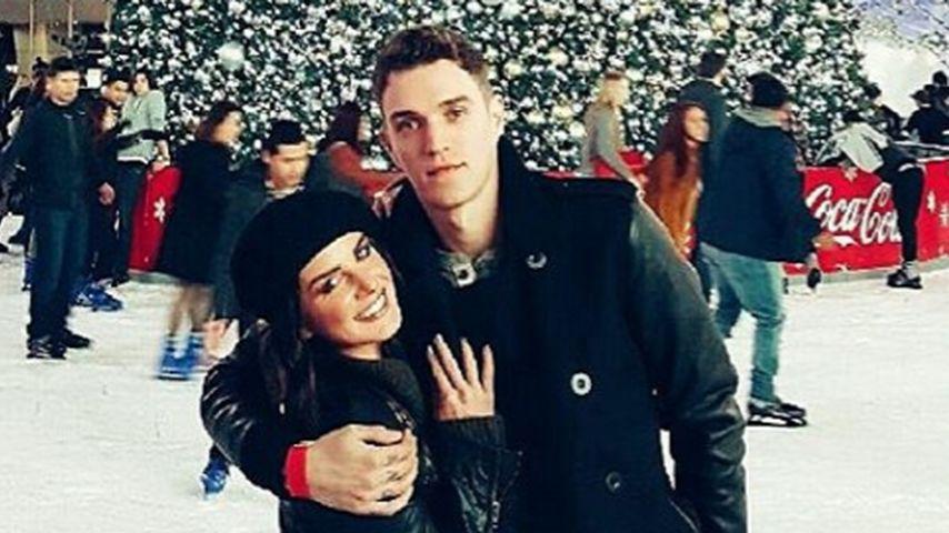 Xmas-Romantik: So happy ist Shenae Grimes mit ihrem Mann