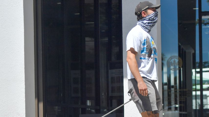 Shia LaBeouf und sein Hund in Pasadena im Juni 2020