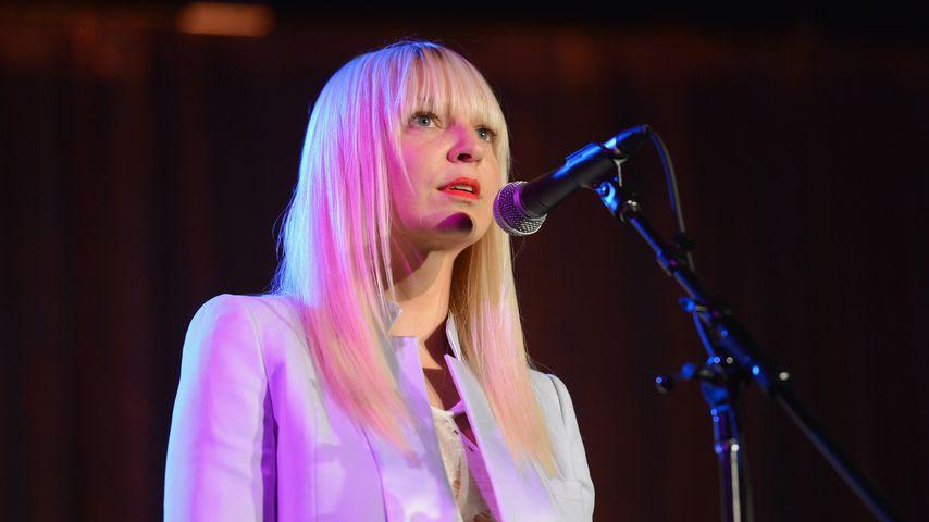 Sängerin Sia leidet unter chronisch-schmerzhafter Krankheit