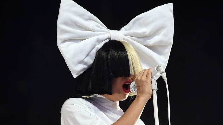 Sia bei einem Auftritt in England 2020