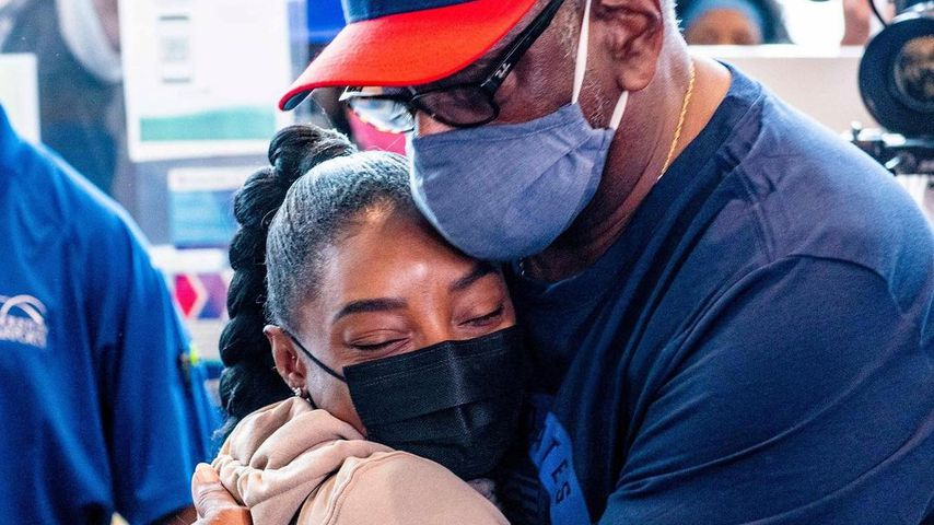 Nach Olympia-Drama: Simone Biles fällt Familie in die Arme