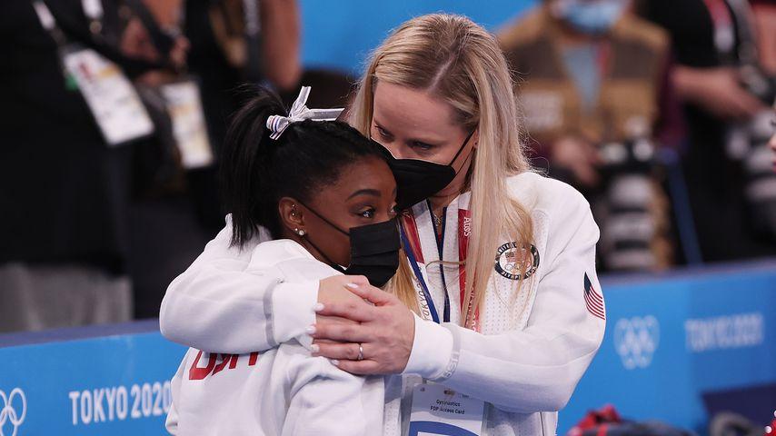 Simone Biles und Cecile Landi im Juli 2021 bei den Olympischen Spielen in Tokio