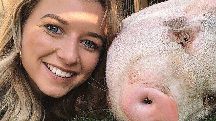 Simone Partner mit ihrem Schwein Milo