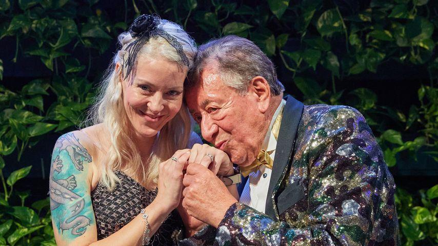 """Am Geburtstag: Richard Lugner und """"Bienchen"""" sind verlobt!"""