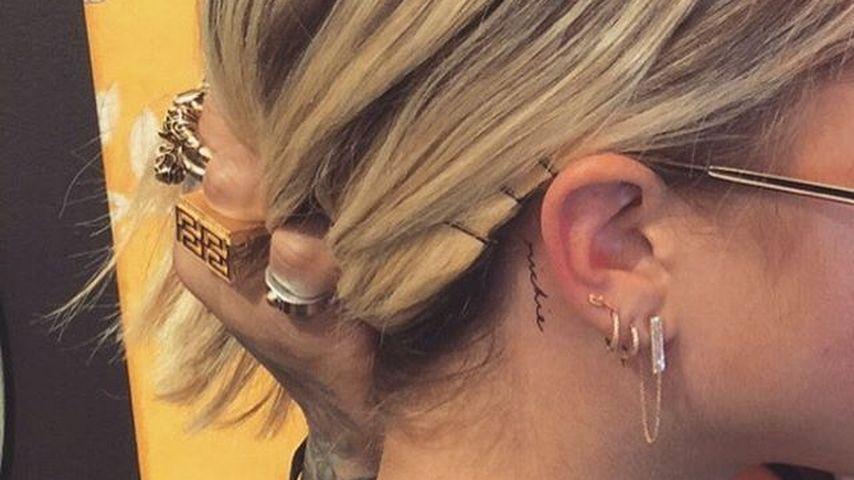 "Sofia Richies Tattoo-Schriftzug ""Richie"""