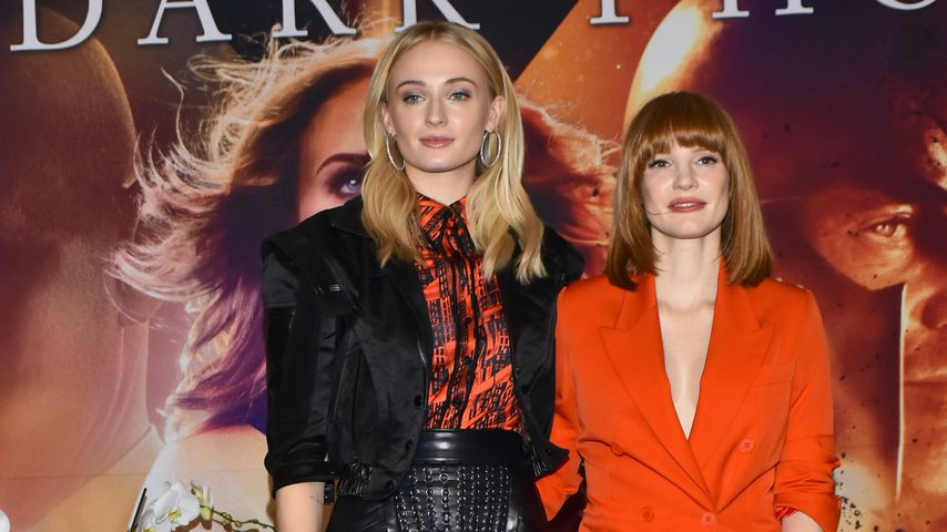 """Sophie Turner und Jessica Chastain auf einem Fan-Event von """"X-Men: Dark Phoenix"""""""