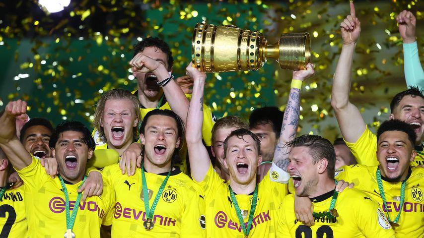 Spieler von Borussia Dortmund nach dem DFB-Pokalfinale 2021