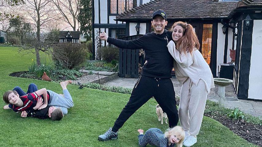 Stacey Solomon mit ihrem Partner und ihren Kids