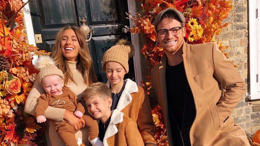 Stacey Solomon mit ihren drei Kids und Partner Joe Swash