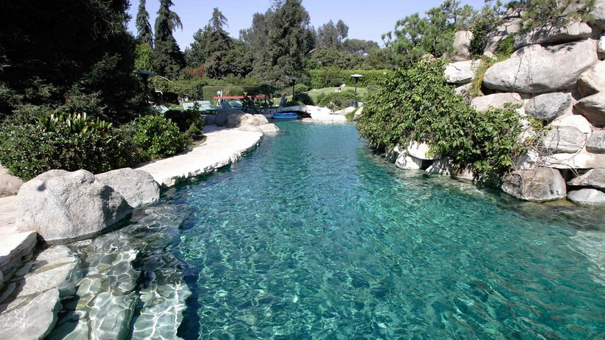 Swimming-Pool der Playboy Mansion in Beverly Hills