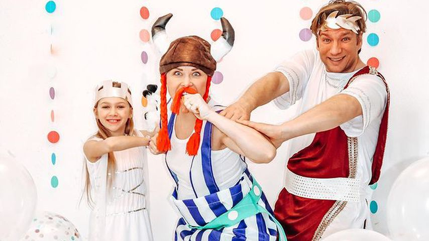 Tanja Szewczenko mit ihrer Familie, Karneval 2021