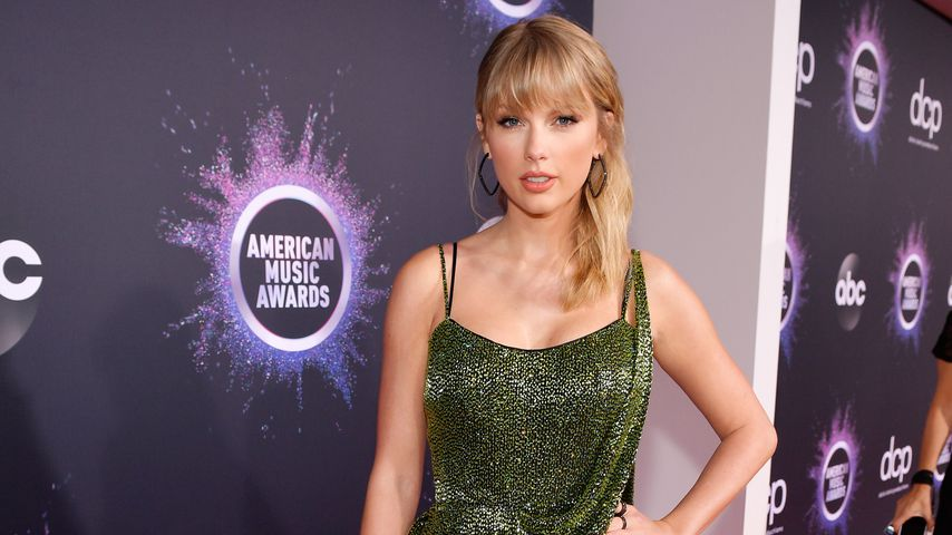 Hatte Taylor Swifts AMAs-Kleid eine tiefere Bedeutung?