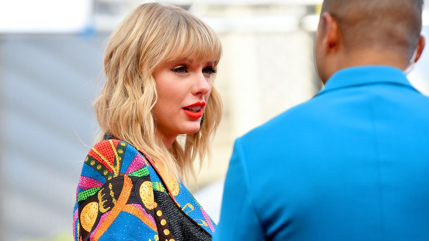 Taylor Swift nach OP gefilmt: Nervenkollaps wegen Banane!