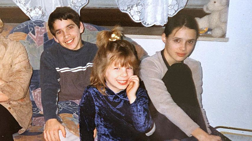 Jennifer Frankhauser mit Daniela Katzenberger und ihrem Bruder als Kinder