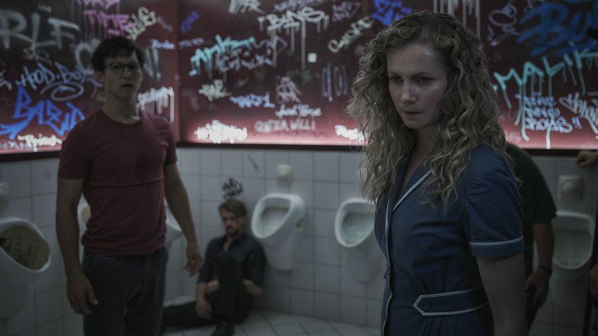 """Tim Oliver Schultz und Cornelia Gröschel in """"Freaks - Du bist eine von uns"""""""