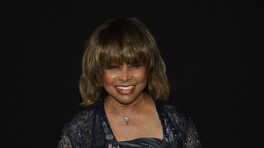 Tina Turner bei der Armani-Show in Paris