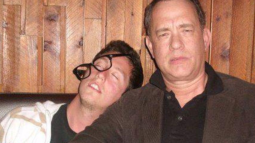 """Tom Hanks: Feuchtfröhliche Fotos mit """"Betrunkenem"""""""