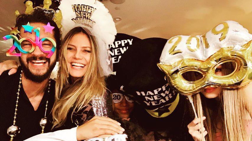 Tanz ins neue Jahr: Hier fasst Tom seiner Heidi an den Popo!