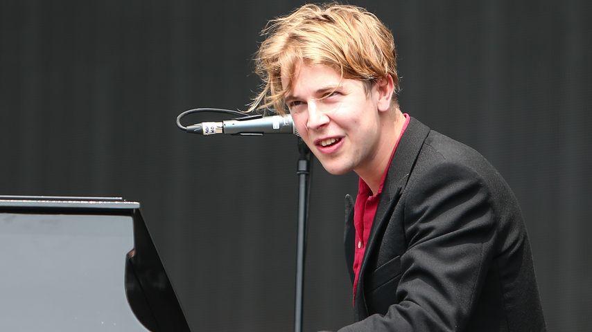 Tom Odell bei einem Auftritt in Exeter