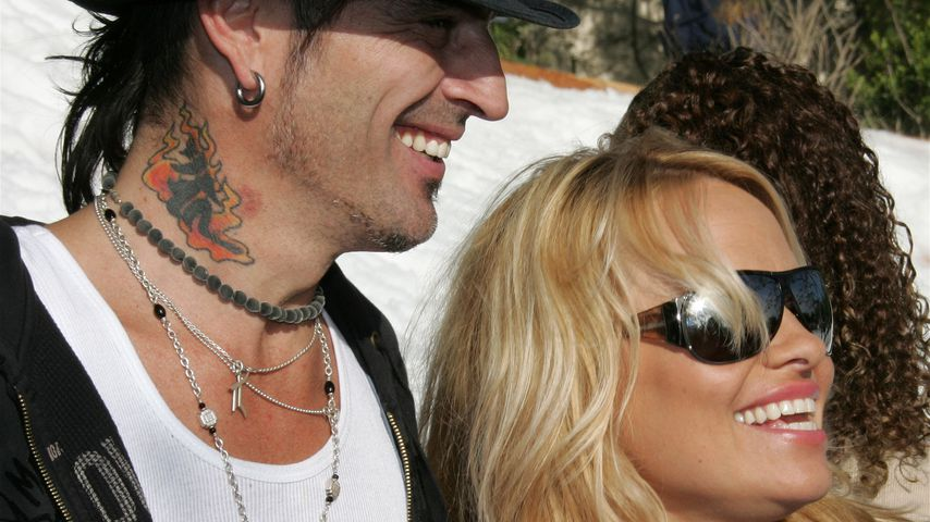 Tommy Lee und Pamela Anderson 2005 in Malibu