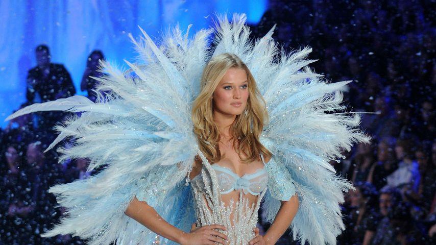 Toni Garrn, Victoria's Secret-Fashion-Show 2013
