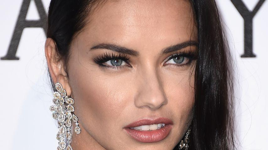 """Topmodel Adriana Lima bei der """"amfAR's 23rd Cinema Against AIDS Gala"""" in Cannes"""